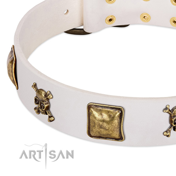 Handy use leather dog collar with exquisite adornments