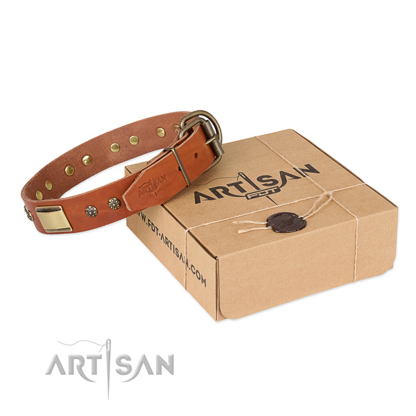 Easy wearing natural genuine leather collar for your stylish dog