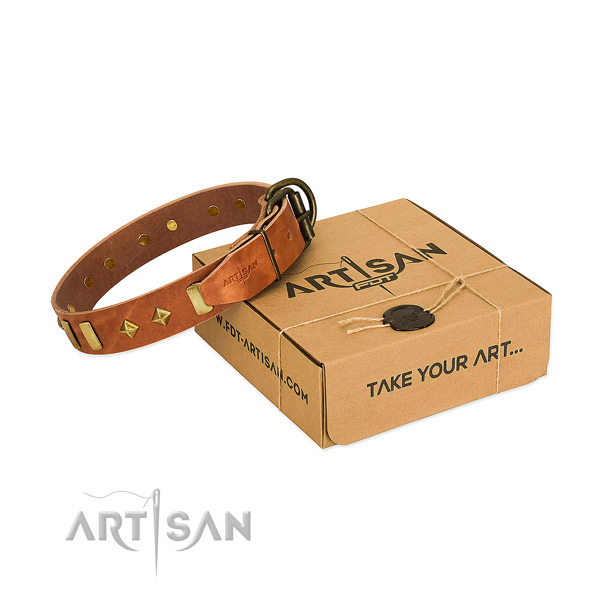 High quality full grain genuine leather dog collar with corrosion proof traditional buckle